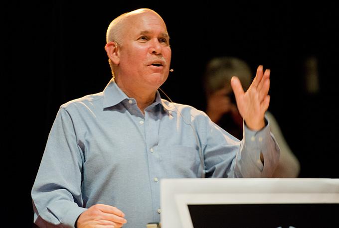 Steve McCurry på Nordic Light i går ettermiddag. (Foto: Morten M. Løberg)