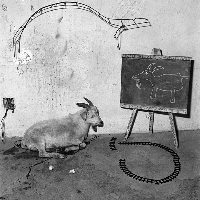 School Room © Roger Ballen. Courtesy: Pug
