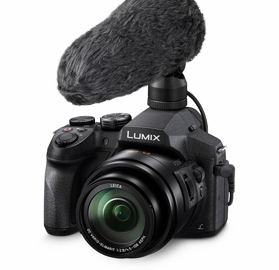 Lumix FZ330 har 24x zoom med konstant f/2.8 blender.