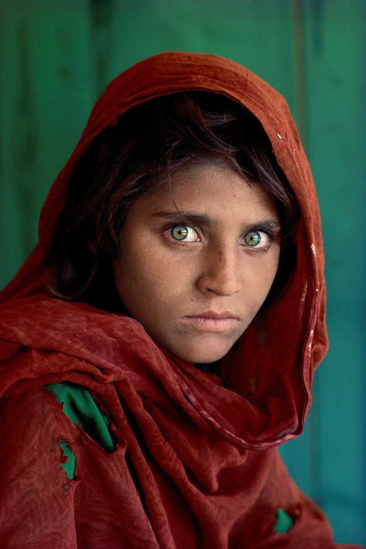 Steve McCurry: Afghan Girl