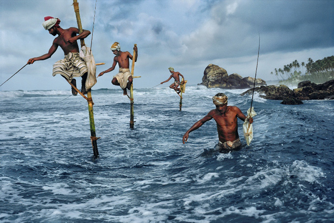 Steve McCurry: Fishermen, Weligama, South coast, Sri Lanka, 1995