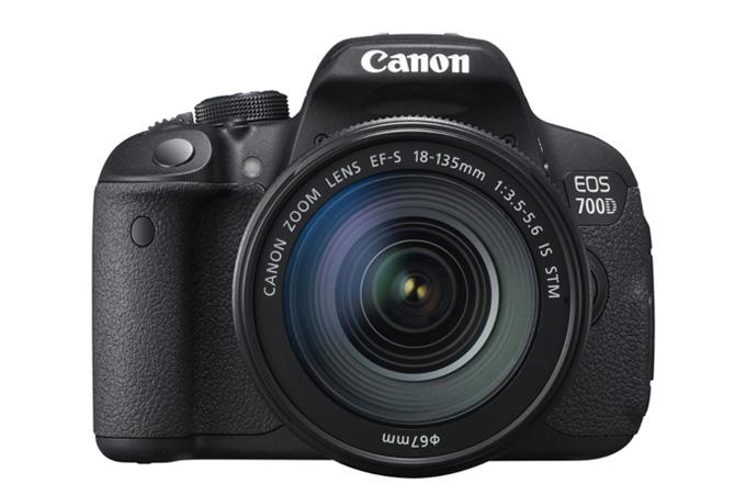 Canons nye EOS 700D med den nye kit-zoomen