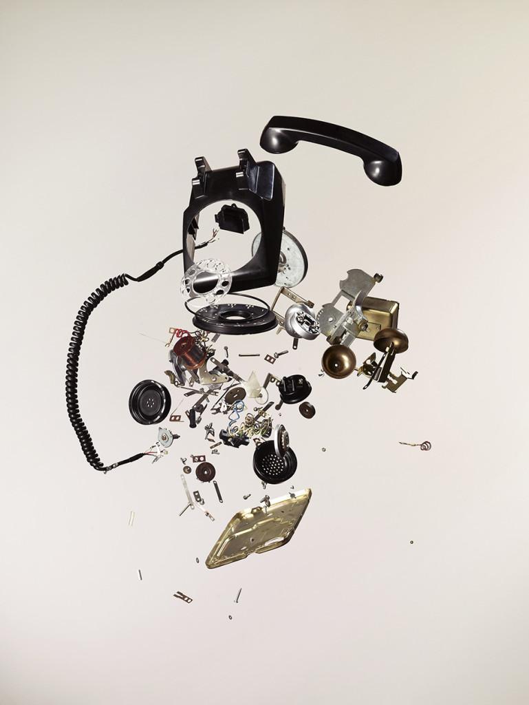 Apart - Phone © Todd McLellan