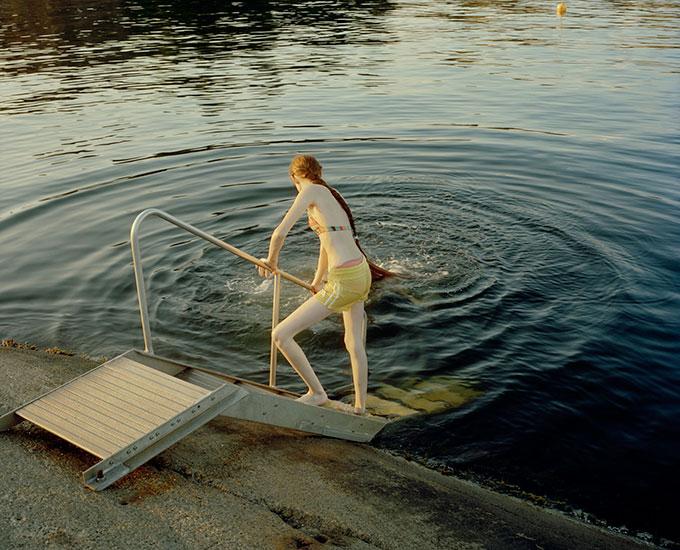 © Marius Schultz. Isa ved badetrapp. 2011