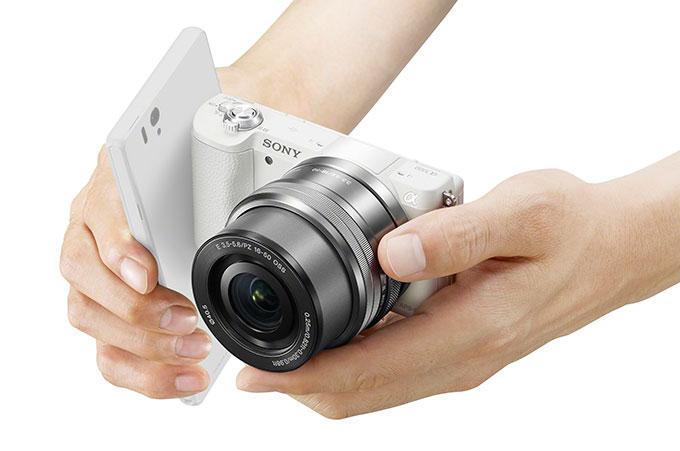Sony A5100 fås i tre fargeutførelser.