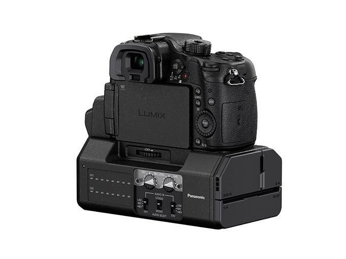 Lumix GH4 kan best beskrives som et avansert videokamera i stillbildeformat. Dent ser vi tydelig i DMW-YAGH-modulen, som er rettet mot profesjonell videoproduksjon.