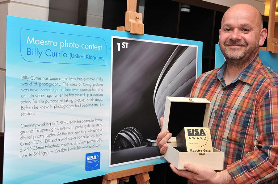 Billy Currie fra Storbritannia ble vinner av EISA Maestro-konkurransen 2014, og vant 1500 Euro pluss en tur til Berlin, der han mottok prisen.