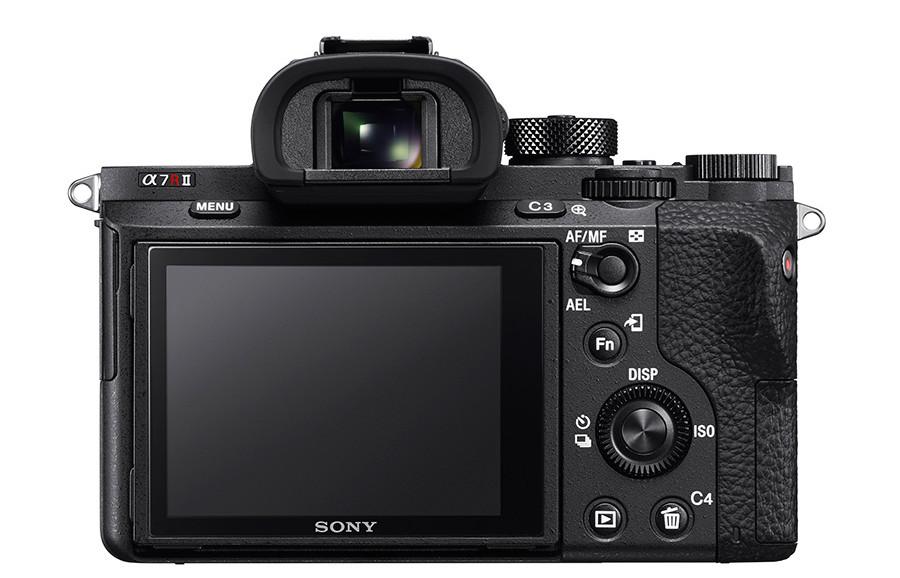 Sony A7R II har både fått høyere oppløsning og Sonys nye 5-veis bildestabilisator.