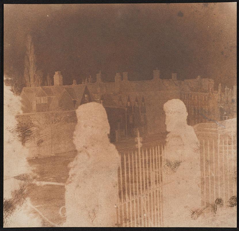 Dette kalotypiet ble opprinnelig tilskrevet Talbot, og kalt «The Martyr's Memorial». Professor Larry Schaaf avdekket at det ikke medførte riktighet, men at det mest sannsynlig er Nevil Story-Makelyne som har fotografert to statuer i utsikten fra the Sheldonian Theatre, Oxford, datert til 1843. Statuer og arkitektur var takknemlige motiver tidlig i fotohistorien, siden de står helt stille.