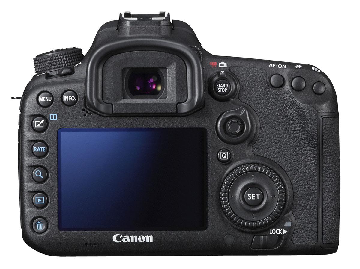 Lett å kjenne seg igjen for Canon-brukere bak på EOS 7D Mark II.